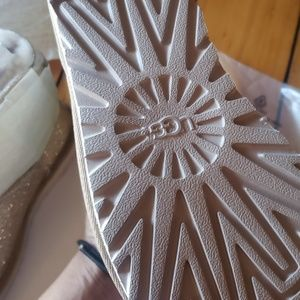 Size 8 gold glitter uggs